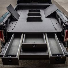 Have a gooseneck trailer and need a TruckVault?  #Truckvault #gooseneck #lifesecured #lifeorganized @truckeduplife @truck_hub