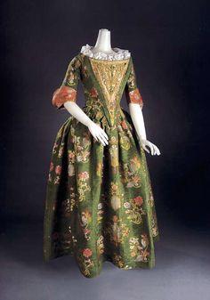 Dress ca. 1700, silk ca. 1680    From Cora Ginsburg LLC