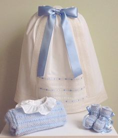 Dress Anak, Bebe Baby, Baby Booties, Christening, Baby Dress, Smocking, New Baby Products, Kids Fashion, Girl Outfits