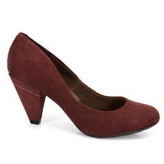 Sapato Salto Médio Feminino Beira Rio Confeccionado em material alternativo tipo camurça.Sabe aquele sapato tem que ter no guarda roupa? Pois este se encaixa perfeitamente, confortável e charmoso elaborado para todas ocasiões!