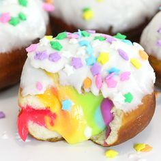 If you like vanilla cream-stuffed doughnuts, you'll love this colorful twist on a favorite. If you like vanilla cream-stuffed doughnuts, you'll love this colorful twist on a favorite. Donut Recipes, Baking Recipes, Dessert Recipes, Easter Recipes, Breakfast Recipes, Dessert Cups, Cute Desserts, Delicious Desserts, Yummy Food