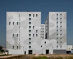 Roberto Ercilla, Pedro Pegenaute · 111 Housing Units in Larrein