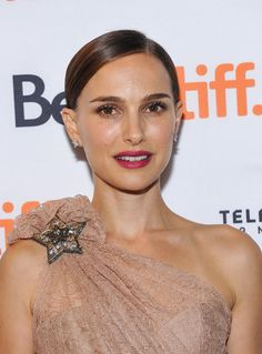 Natalie Portman at the 2015 Toronto premiere of 'A Tale of Love and Darkness'. http://beautyeditor.ca/2015/09/14/best-beauty-looks-lily-collins