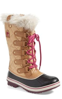 perfect Sorel boots for winter http://rstyle.me/n/rcj85r9te