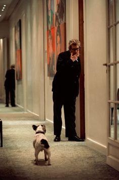 Yves Saint Laurent et son chien Moujik