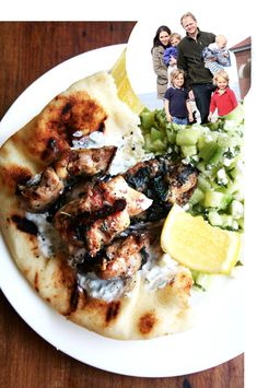 Chicken souvlaki is one of my favorite meals: grilled chicken, tzatziki, warm pita, and salad – I love this paired with a Greek salad or this special refreshing cucumber-feta salad. Cucumber Feta Salad, Mint Salad, Greek Chicken Souvlaki, Chicken Souvlaki Recipe Oven, Homemade Tzatziki Sauce, Cooking Recipes, Healthy Recipes, Kitchen Recipes, Grilling Recipes