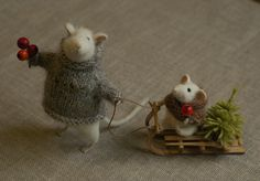 Christmas sleigh ride felted mice --must do this for 2012 with Abby's mice!  She will love it!