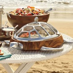 But those turtle serving dishes though 😩 65 Summer Entertaining Ideas - From Sangria Ice Pops to Built-In BBQ Tables (TOPLIST)//Tortoise Serving Dishes Design Plat, Built In Bbq, Turtle Love, Beach Cottages, Beach House Decor, Serveware, Beach Themes, Coastal Decor, Sweet Home