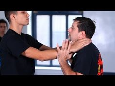 Krav Maga Federation with instructor Rhon Mizrachi Something all girls should know. I know this is one motion I will ensure my daughter knows to make sure she is never a victim. - Krav Maga Defense against Choke from the Front Krav Maga Self Defense, Self Defense Tips, Self Defense Techniques, Personal Defense, Bruce Lee, Karate, Israeli Self Defense, Israeli Krav Maga, Krav Maga Techniques
