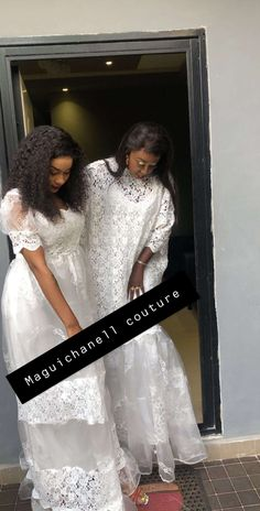 African Fashion Dresses, Glamour, Couture, Formal Dresses, Chic, Womens Fashion, Wax, Album, Clothes