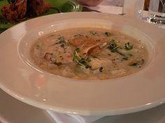 Rhode Island Fish Chowder - comfort food - nice starter course or serve buffet style  http://frugalnewenglandkitchen.com/new-england-rhode-island-fish-chowder-recipe/