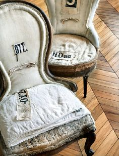 ZsaZsa Bellagio – Like No Other: Vintage, Shabby, Charm Old Chairs, Antique Chairs, Vintage Chairs, Dining Chairs, Sofa Chair, Armchair, Swivel Chair, Chair Upholstery, Upholstered Chairs