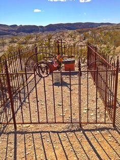 Grave at Terlingua Ghost Town.