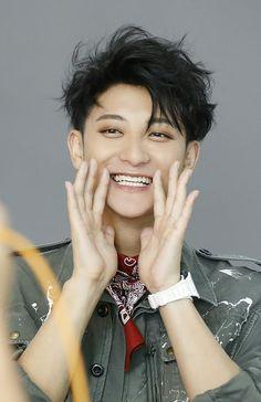 His smile is so cute Park Chanyeol, Baekhyun, Tao Exo, Drama Eng Sub, W Kdrama, F4 Boys Over Flowers, Exo 12, Chines Drama, Huang Zi Tao