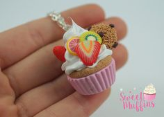 cupcake rose, Miniature Food, Polymer Clay Miniatures, faux aliments Miniature, bijoux sucré