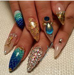 It's a mermaid nails kind of day 🌊 set by Pointed Nails, Stiletto Nails, Bling Nails, Cruise Nails, Sea Nails, Nail Charms, Mermaid Nails, Swarovski Nails, Fabulous Nails