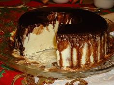 Receita de Gelado de creme com calda de chocolate - Ideal Receitas, essa é uma receita que faço há quase 20 anos sempre deu super certo.