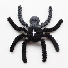 Opskrift på Hæklet Edderkop // Pattern for the Crochet Spider | Lutter Idyl