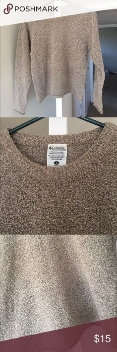 Columbia fuzzy comfy sweater size S This comfy sweater is so 90s and perfect for fall! Size small. Columbia Sweaters Crew & Scoop Necks