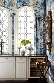 Chinoiserie Chic: My Blue and White Show House Beautiful Space, Beautiful Homes, Br House, Chinoiserie Chic, Chinoiserie Wallpaper, Enchanted Home, Of Wallpaper, Beautiful Wallpaper, Interior Wallpaper
