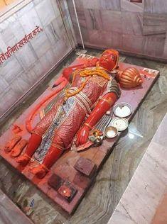 While giving ring in her hand after kissing on vegina sleeping in frunt of seeta ! Hanuman Murti, Shri Hanuman, Durga Maa, Hanuman Images, Lakshmi Images, Ganesh Wallpaper, Radha Krishna Wallpaper, Rama Lord, Hanuman Ji Wallpapers