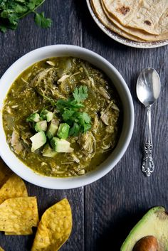 Incredible comforting slow cooker chicken chile verde. Healthy, satisfying and…