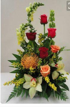 40 Pretty Flower Arrangement Design Decor Ideas - 2020 Home design Rosen Arrangements, Tropical Flower Arrangements, Flower Arrangement Designs, Church Flower Arrangements, Beautiful Flower Arrangements, Flower Designs, Altar Flowers, Church Flowers, Funeral Flowers