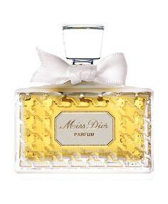 Miss Dior Extrait de Parfum Christian Dior perfume - a fragrance for women 1947