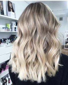 Golden Blonde Balayage for Straight Hair - Honey Blonde Hair Inspiration - The Trending Hairstyle Ombre Hair Color, Hair Color Balayage, Cool Hair Color, Hair Highlights, Beige Blonde Balayage, Honey Balayage, Hot Hair Colors, Hair Colour, Blonde Hair Looks