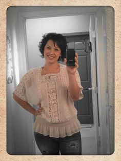 I'm loving this top from our new line, Angie! S,M,L $40  Have a wonderful weekend guys!