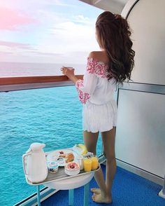 """18.8k Likes, 138 Comments - Caitlin (@cmcoving) on Instagram: """"Happy Easter from the middle of the Pacific Ocean 🐰🙏🏼💕 http://liketk.it/2r34f #liketkit #wiw…"""""""