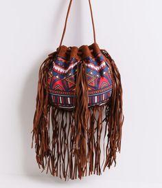 Bolsa feminina modelo saco estampada com franjas