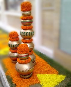 Bridal Decorations Indian New Ideas Diwali Decorations At Home, Wedding Stage Decorations, Festival Decorations, Flower Decorations, Backdrop Decorations, Asian Inspired Wedding, South Asian Wedding, Kalash Decoration, Mandir Decoration