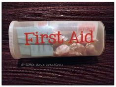 Little Dove Creations: pioneer trek: travel first aid kits in empty Crystal Light container Emergency Preparedness Kit, Emergency Supplies, Survival, Emergency Preparation, Packers, Crystal Light Containers, Trek Ideas, Reuse Containers, Pioneer Trek