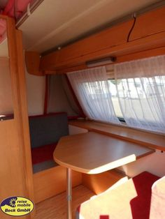 Hymer Eriba Feeling 430 als Pickup-Camper in Köln bei caraworld. Hymer, Bunk Beds, Furniture, Home Decor, Indirect Lighting, Outdoor Camping, Travel Trailers, Decoration Home, Loft Beds