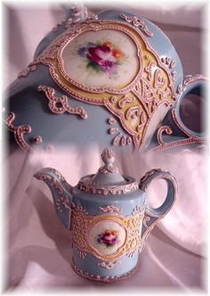 Antique hand painted Nippon Moriage teapot