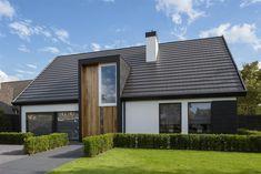 Techo Mansarda, Modern Roof Design, Bungalow Extensions, Wooden House Design, Modern Bungalow, Forest House, Facade House, Modern Exterior, Glass House
