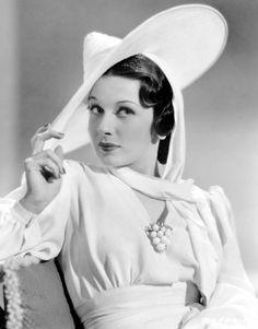 a459b1ce661e Patricia Morison 1940s, Vintage Glamour, Vintage Skönhet, Vintage Clip,  Hollywood Fashion,