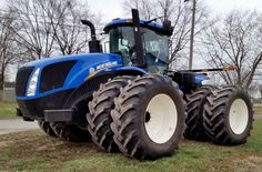 Agriculture Machine, New Holland Agriculture, New Holland Tractor, Old Tractors, Ford News, Farming, Scenery, Cars, Big