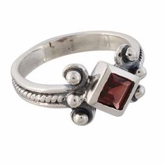Arvino Adorable 925 Sterling Silver Ring With Garnet Gemstone