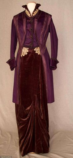 nice 1912 plum afternoon dress and jacket. - Una Segretaria Per Milord by www. Edwardian Clothing, Edwardian Dress, Antique Clothing, Historical Clothing, Edwardian Era, Victorian, Jeanne Lanvin, Belle Epoque, Old Dresses