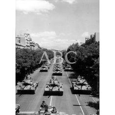1965 LOS CARROS DE COMBATE EN EL DESFILE DE LA VICTORIA.: Descarga y compra fotografías históricas en | abcfoto.abc.es