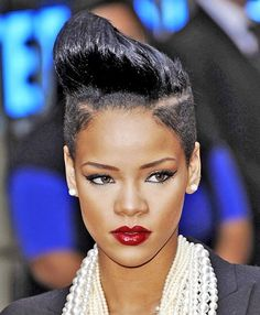 10 Short Striking Straight Hairstyles for African American|Designideaz