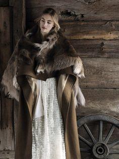 Nordic costume   White dress and fur cloak HOW DO I MAKE IT??? <3