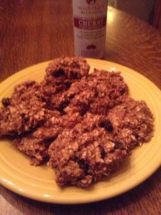 Michelle's Very Cherry Banana Oat Breakfast Grab  4 Bananas – ripe and mashed  4 cups Oats  4 ounces Michelle's Miracle Tart Cherry Concentrate  A 'Titch' of Cinnamon  Preheat oven to 375 degrees  Mix all ingredients together   Drop about ¼ cup on the mixture on to an ungreased cookie sheet  Bake for 25 minutes.   Enjoy!  Your HEART will thank you!