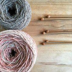 Sí esto es justamente lo que parece. . #lana #lanas #yarn #wool #tiendadelanas #yarnshop #ohlanas #moekeyarnselena #moekeyarns #knittinginspiration #knitting_inspiration #knit #knitting #tejer #punto #tricot #knitlife
