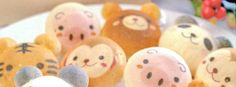 Adorable macaroons.  Too cute to eat!