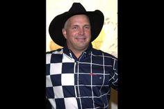 Garth Brooks Adds Five Shows, Brings New Look to Dallas Run Country Music Stars, Country Music Singers, Shameless Garth Brooks, Ashley Monroe, Trisha Yearwood, Classic Songs, New Career, Western Shirts, Raising Kids