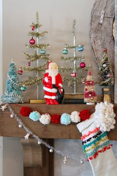 Nesting in the Bluegrass: Vintage inspired Christmas mantel