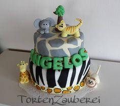 Diese tierisch tolle Torte kommt aus der Küche von Fatima. Die Tortenspitzen findet Ihr bei uns:  http://www.pati-versand.de/advanced_search_result.php?keywords=Tortenspitzen&x=0&y=0&utm_source=Facebook&utm_medium=Post&utm_campaign=FBTortenspitzen